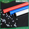 PVC配線の管の赤く青く白い高圧包装の管