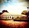 De Nigeria Gebruikte Tent van de Markttent van het Huwelijk met de Ingang van de Pagode van het Glas