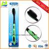 Toothbrush di seta nero dell'adulto della spazzola