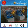 Machine de fabrication de panneaux de cloisonnement en acier léger