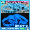 Incandescenza su ordinazione nel braccialetto scuro del silicone con stampato (TH-7094)