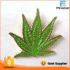 Hotsale surtido de colores de alta calidad de Metal de hoja de Cannabis insignia de solapa