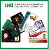 Пластичная карточка удостоверения личности с владельца карточки удостоверения личности