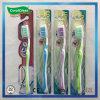 Brosse à dents en nylon du brin des adultes de soin personnel avec le nettoyeur de languette