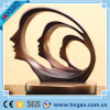 樹脂の表面概要の現代彫像