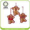Gingerbread Kisses Inside Cookie Cutters Christmas DecorationsのGingerbread Man