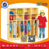 La cabina de madera del zapato de la ropa embroma los muebles del jardín de la infancia