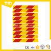 Желтый и красный отражательный знак уличного движения для тележки