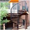 ステンレス鋼ケーブルの柵が付いている贅沢な穏やかな鋼鉄木製のステアケース