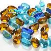 La pietra preziosa variopinta borda il marmo di vetro
