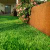 Tappeto erboso sintetico artificiale esterno di paesaggio del giardino a forma di U del balcone