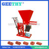 赤い粘土の煉瓦作成機械をかみ合わせるEco Bravaの手動ディーゼル