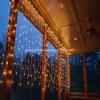 A corda das festões da cortina ilumina a luz feericamente para luzes da decoração do casamento do jardim do partido do ano novo