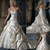 Beads Strapless Wedding Gown (xz792)