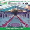 500 de mensen ontruimen de Markttent van het Huwelijk van het Dak