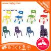 Mobiliário infantil colorido estudante cadeiras de plástico na escola para venda