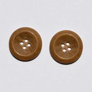 Fashion Hot Selling Four Holes Clothing Plastic Button pictures & photos