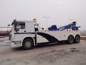 Professional Supply Isuzu Street Rescue Flat-Bed Tow Truck for Cars pictures & photos