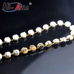 Over 800 Partner Factories Top Quality Crystal Rhinestone Chain Trimming pictures & photos