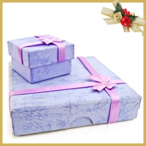 Customized Luxury Cardboard Gift Box with Ribbon