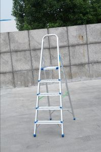 Household Aluminum Ladder (5 Steps) pictures & photos
