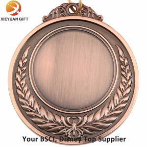 Custom Zinc Alloy Material Gold Medal with Painting Colors pictures & photos