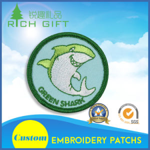Adorable Green Dolphin in Embroidery Patch pictures & photos