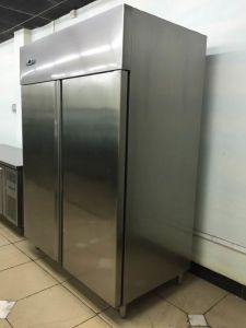 Stainless Steel Kitchen Commercial Refrigerator Gn650tn pictures & photos
