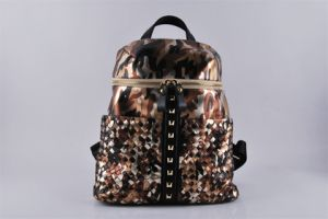 New Design Fashion PU Desert Camo Weave Rivet Backpack (LY060216)