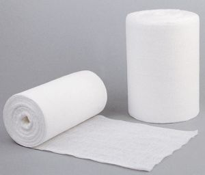 Medical 100% Cotton Absorbent Gauze Roll pictures & photos
