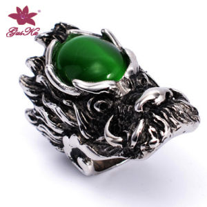 Fashion 316L Stainless Steel Jewelry Skull Ring with Green Stone Gus-Stfr-026