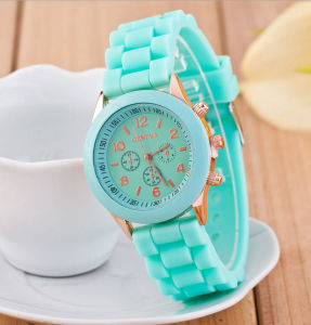 New Design Wholesale Silicone Watch pictures & photos