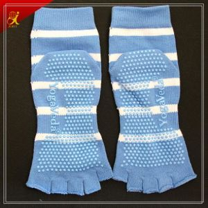 New Design Custom Non Slip Yoga Toe Separator Socks