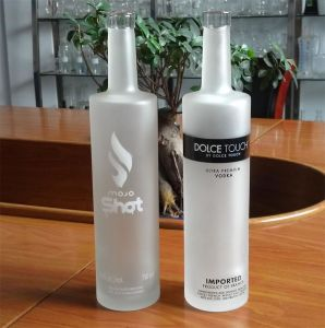 Frost Glass Bottle/ Frost Wine Bottle/ Frost Vodka Bottle pictures & photos