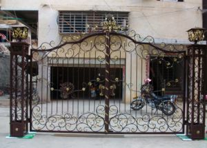 Hot Selling House Main Entrance Wrought Iron Gate pictures & photos