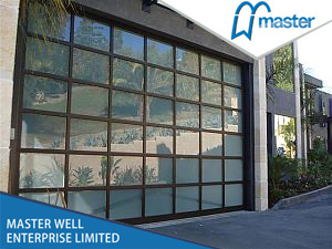 High Quality Aluminum Profile Tempered Glass Door/Tempered/Full View/Frosted/Plexiglass/Glass/Mirror/Transparent/Aluminum Garage Door pictures & photos