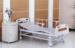 Moveable Two Function Manual Hospital Nursing Bed (XH-B-12) pictures & photos