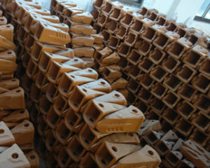China Forged Excavator Bucket Teeth for Cat J400 Sale pictures & photos