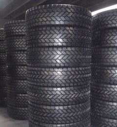 Rubber Steel Tyre, OTR Tyre 605/80r25 445/95r25 (16.00R25) 525/80r25 (20.5R25) Crane Tyre pictures & photos
