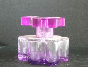 Profressional Produce and Custom Made Glass Perfume Bottles pictures & photos