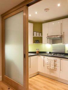 China Gl Wooden Kitchen Sliding Door