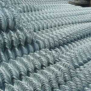 Hot Selling Heat Treated PVC Coated Chain Link Fence pictures & photos