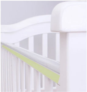 Hot Selling and Cheap Price Baby Crib Made by Solid Wood (M-X1123) pictures & photos