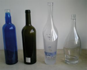 700ml/750ml Frosted Glass Bottle pictures & photos