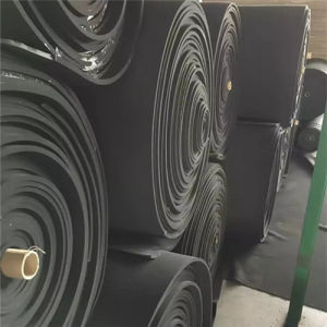 Closed Cell Neoprene Foam Roll for Seals and Gaskets pictures & photos
