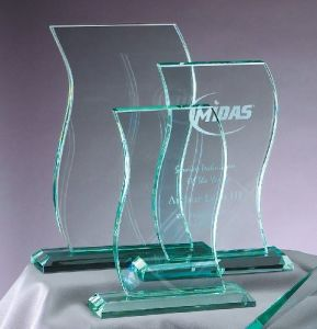 Wholesale Factory Price Glass Trophy, Glass Award pictures & photos