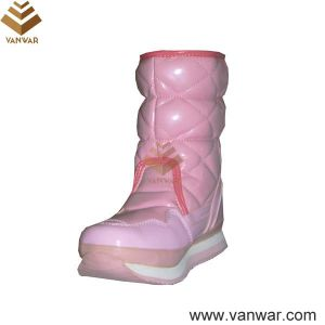 Bright Color Cemented Women Snow Boots with Magic Tape (WSCB018) pictures & photos
