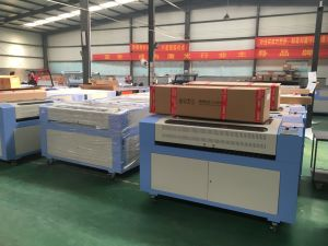 CO2 CNC Laser Cutting Machine 1090 for Acrylic /Wood/ Leather pictures & photos