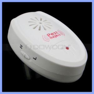 Manufacturer Pest Control Ultrasonic Mosquito Insect Repeller with Us / EU Plug Support OEM pictures & photos