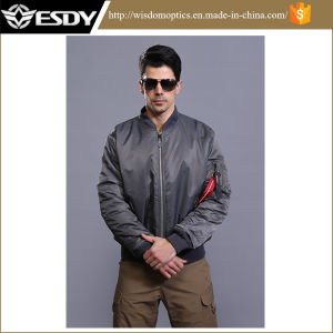 Outdoor American Bomber Jacket Men′s Winter Warm Coat pictures & photos